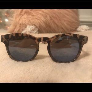 Foster Grant Sunglasses/Shades
